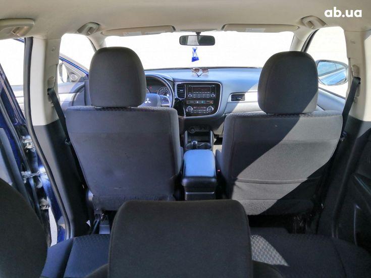Mitsubishi Outlander 2014 синий - фото 18