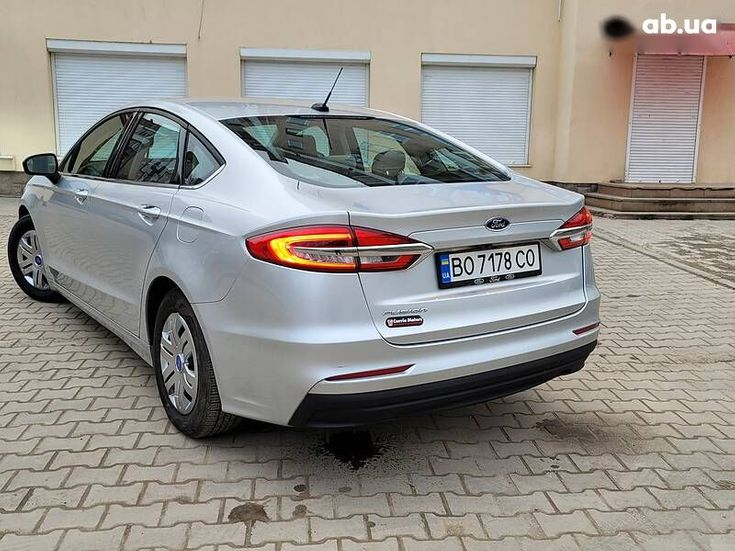 Ford Fusion 2019 серый - фото 17