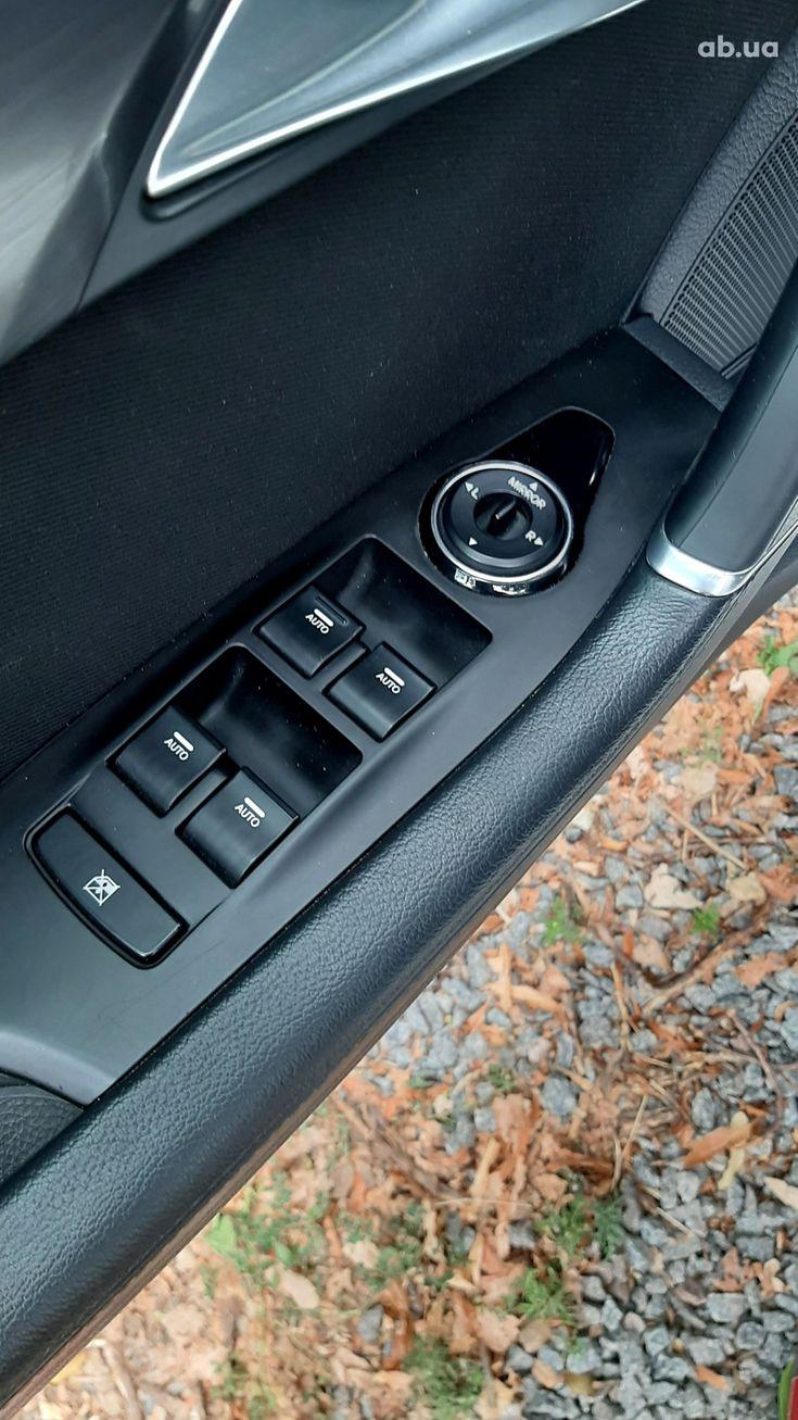 Hyundai i40 2011 - фото 13