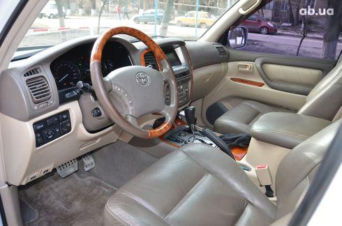 Toyota Land Cruiser 2004 - фото 9