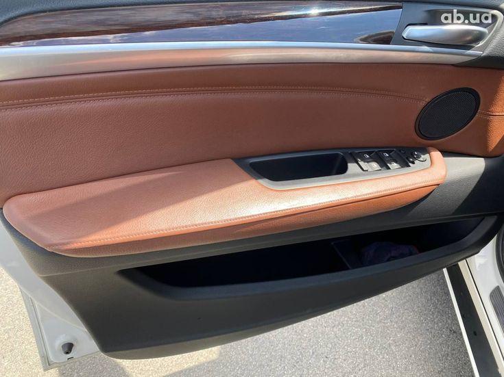 BMW X5 2012 белый - фото 7