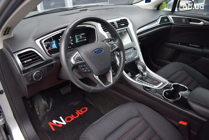 Ford Fusion 2017 серебристый - фото 6