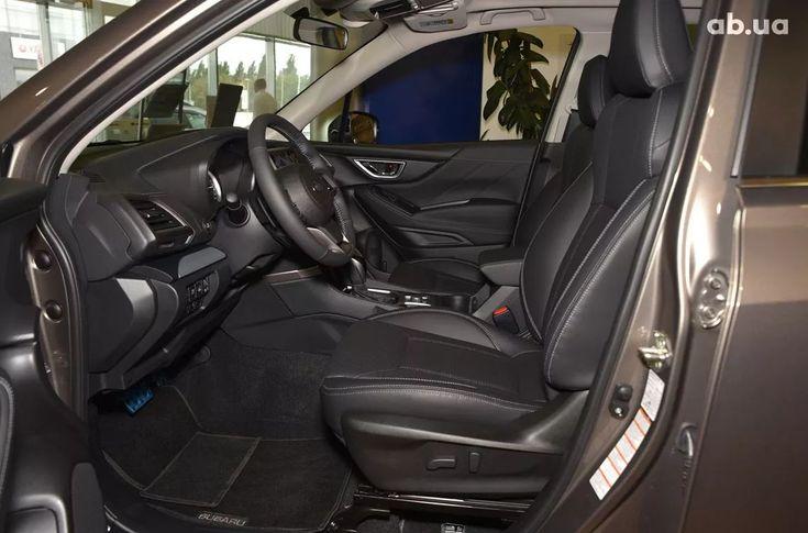 Subaru Forester 2020 - фото 11