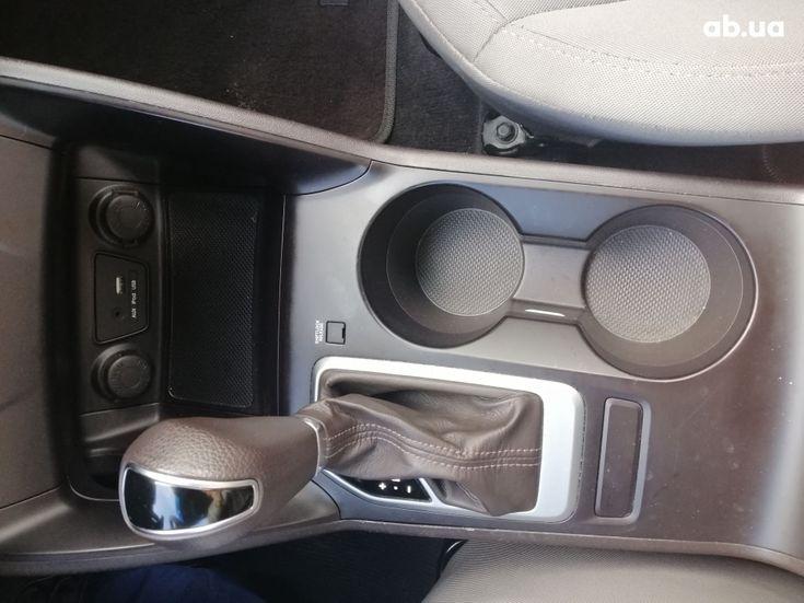 Hyundai Tucson 2015 белый - фото 14
