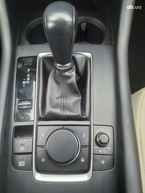 Mazda 3 2019 белый - фото 16