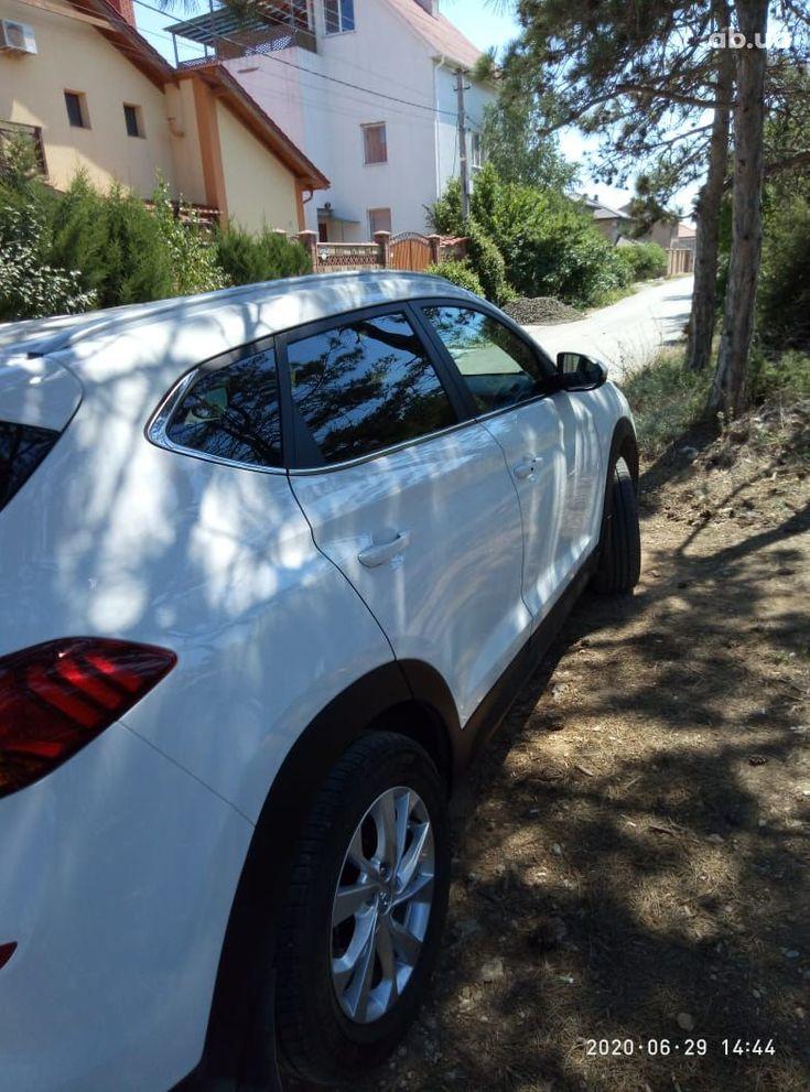 Hyundai Tucson 2019 белый - фото 8