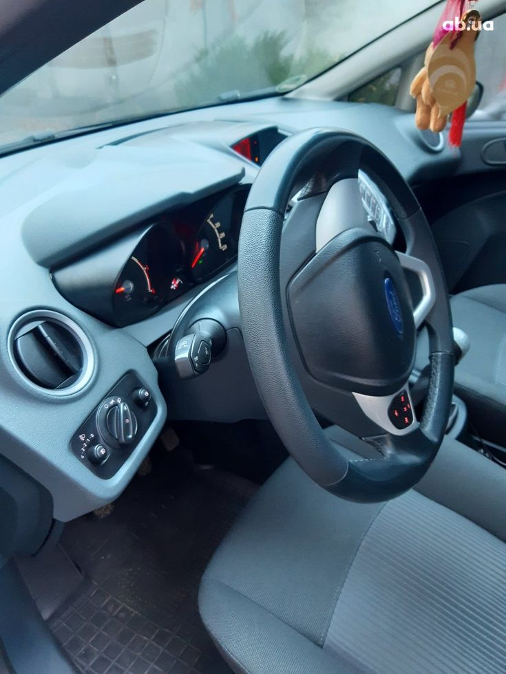 Ford Fiesta 2011 синий - фото 11