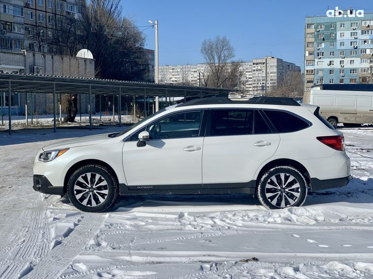 Subaru Outback 2017 белый - фото 2