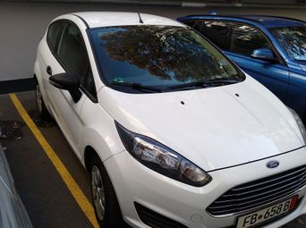 Продажа б/у хетчбэк Ford Fiesta 2015 года в Киеве - купить на Автобазаре