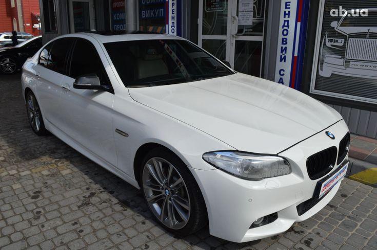 BMW 5 серия 2013 белый - фото 2
