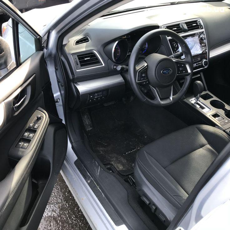 Subaru Legacy 2019 серебристый - фото 12