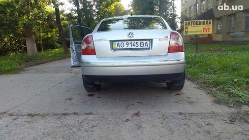 Volkswagen Passat 2003 серебристый - фото 8