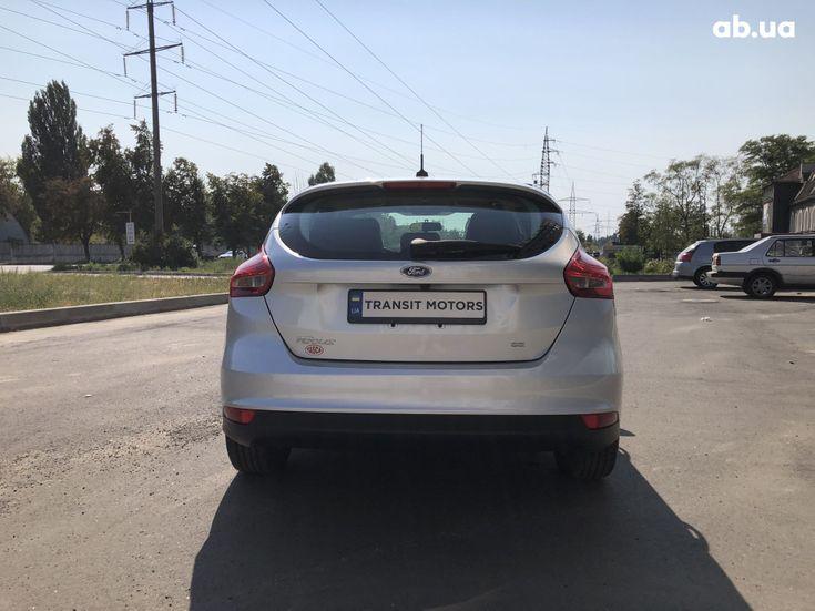 Ford Focus 2017 серебристый - фото 5