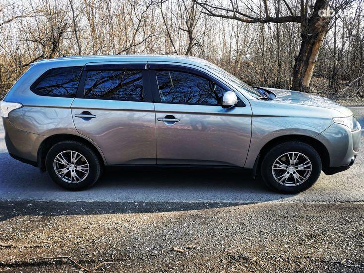 Mitsubishi Outlander 2014 серый - фото 11