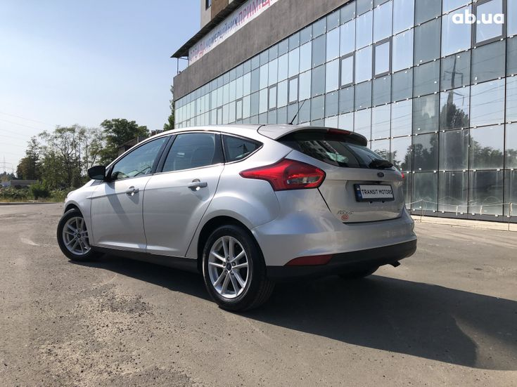 Ford Focus 2017 серебристый - фото 6