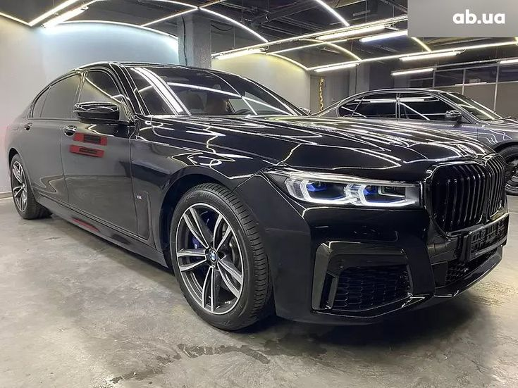 BMW 7 серия 2020 черный - фото 1