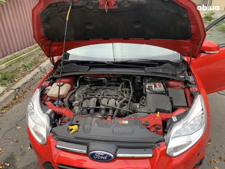 Ford Focus 2011 красный - фото 10