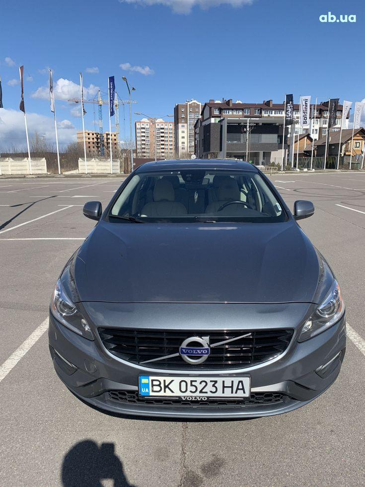 Volvo S60 2016 серый - фото 2