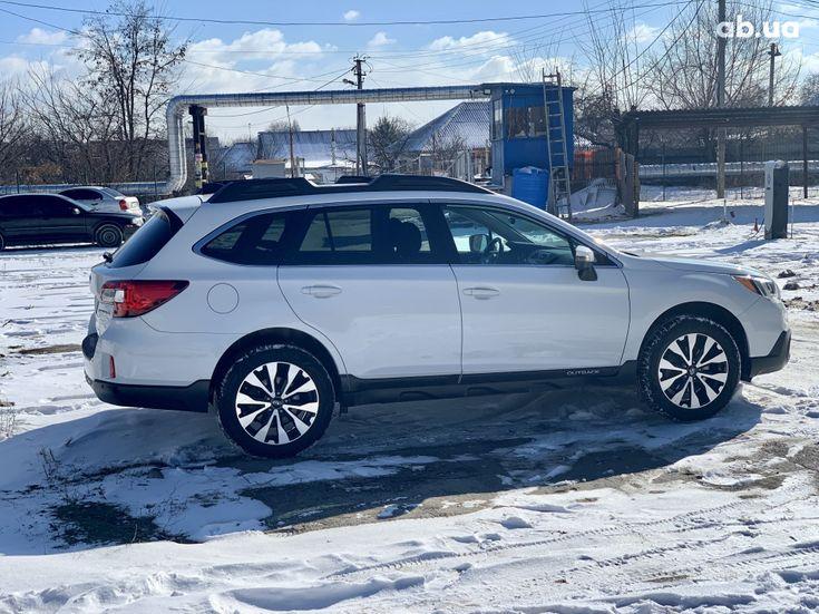 Subaru Outback 2017 белый - фото 7