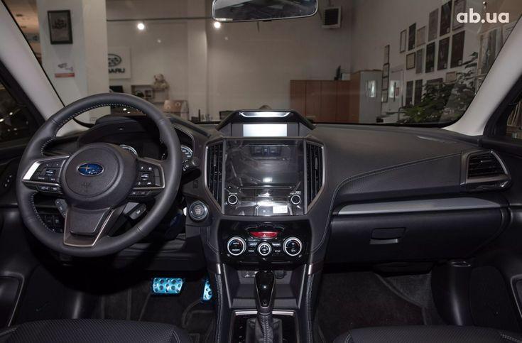 Subaru Forester 2020 серый - фото 11