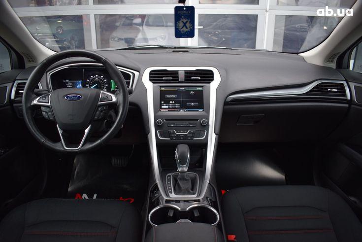 Ford Fusion 2017 серебристый - фото 5