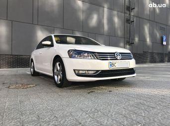 Автомобиль бензин Фольксваген Passat 2012 года б/у - купить на Автобазаре
