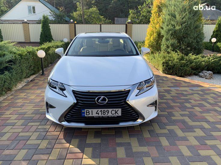Lexus ES 2017 белый - фото 1