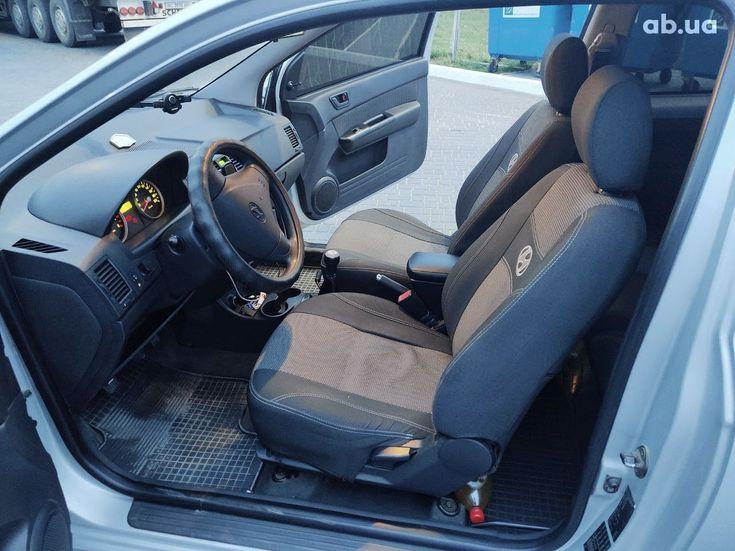 Hyundai Getz 2005 серый - фото 10