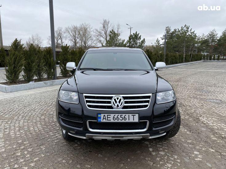 Volkswagen Touareg 2005 черный - фото 3