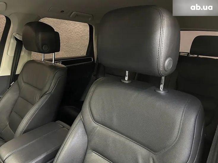 Volkswagen Touareg 2018 черный - фото 6