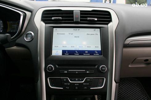 Ford Fusion 2017 серый - фото 16