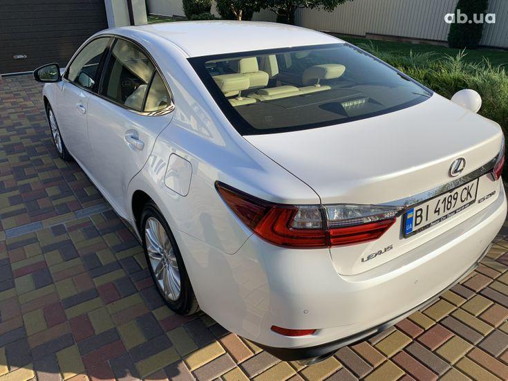Lexus ES 2017 белый - фото 5