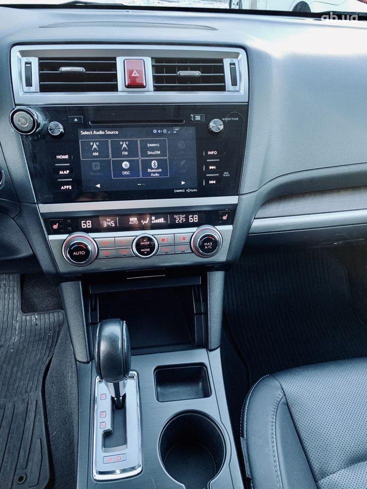 Subaru Outback 2017 белый - фото 18