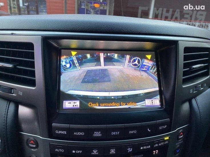 Lexus LX 2013 белый - фото 7