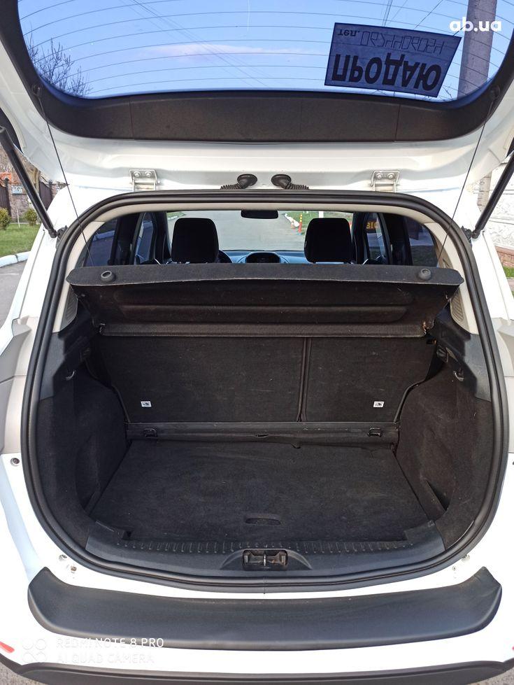 Ford B-Max 2013 белый - фото 7