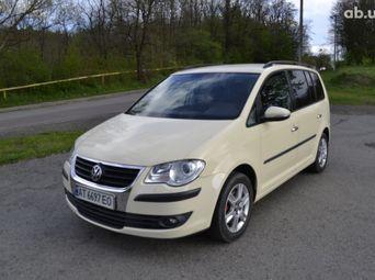 Продажа б/у Volkswagen Touran Робот 2010 года - купить на Автобазаре