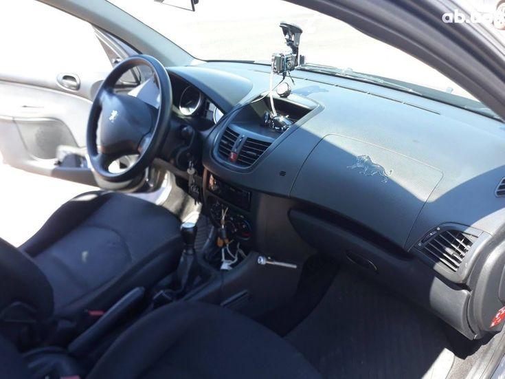 Peugeot 206 2009 серый - фото 16
