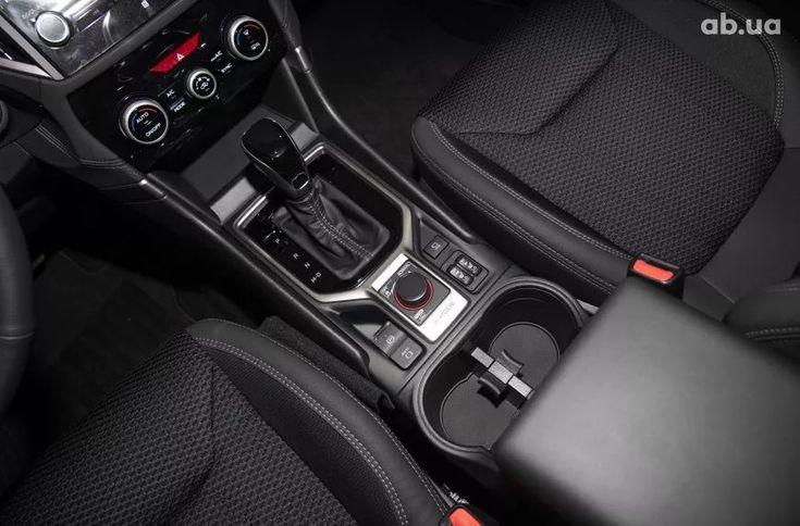 Subaru Forester 2021 белый - фото 16