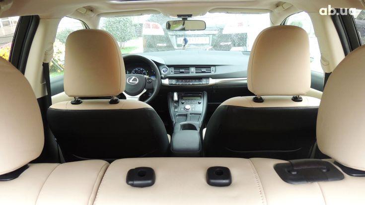 Lexus CT 2014 фиолетовый - фото 11