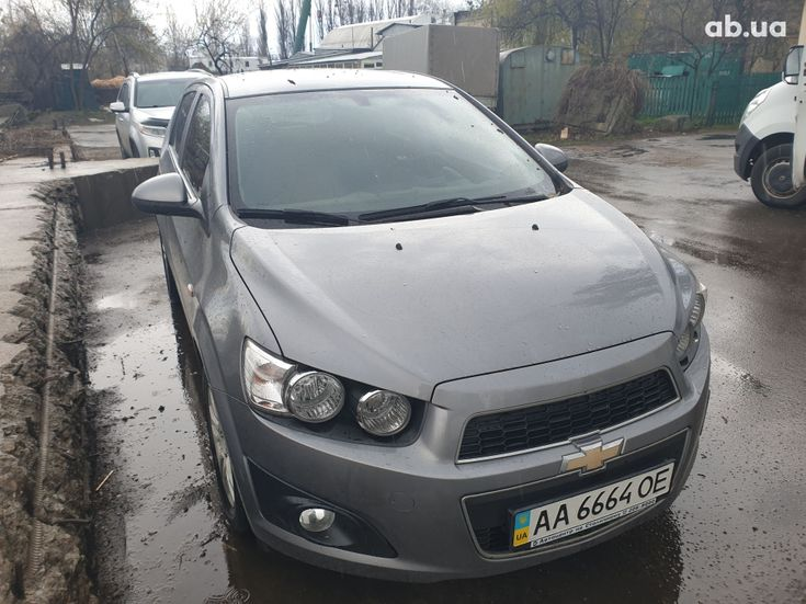 Chevrolet Aveo 2012 серый - фото 2