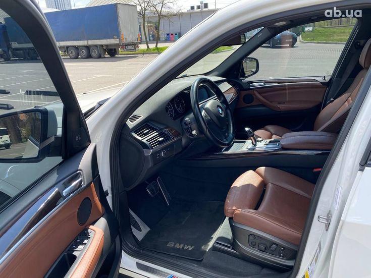 BMW X5 2012 белый - фото 8
