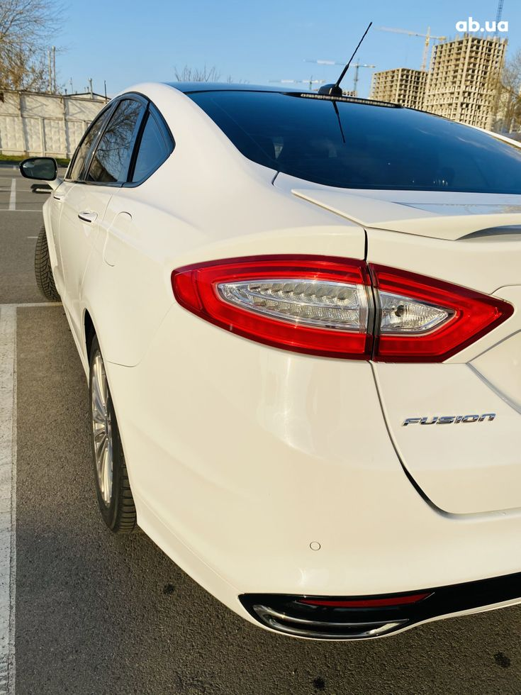 Ford Fusion 2014 белый - фото 7