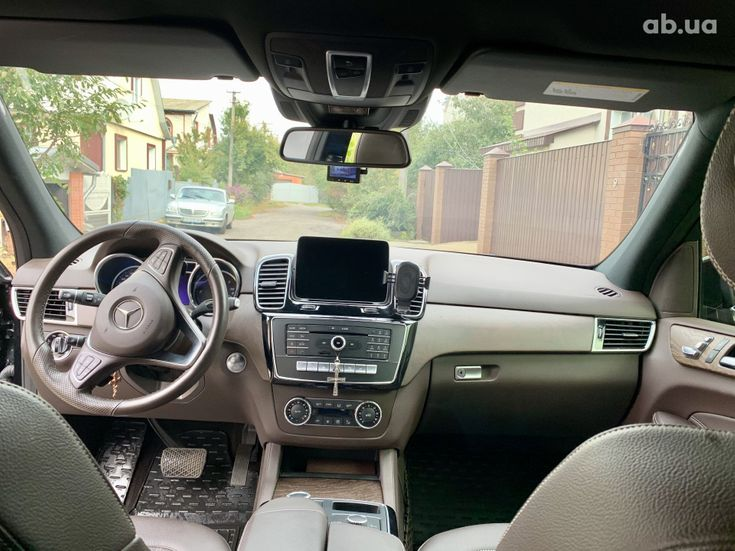 Mercedes-Benz GLE-Класс 2018 черный - фото 10