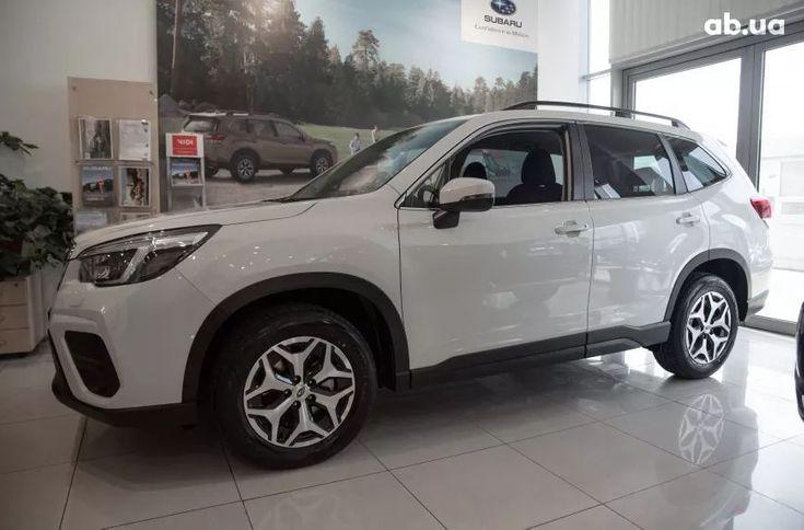 Subaru Forester 2021 белый - фото 2