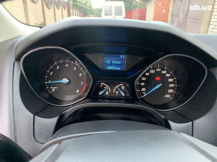 Ford Focus 2011 красный - фото 4