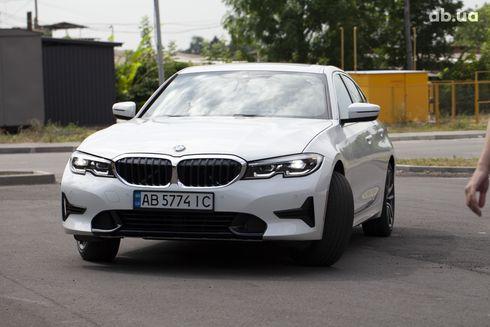 BMW 3 серия 2019 белый - фото 6