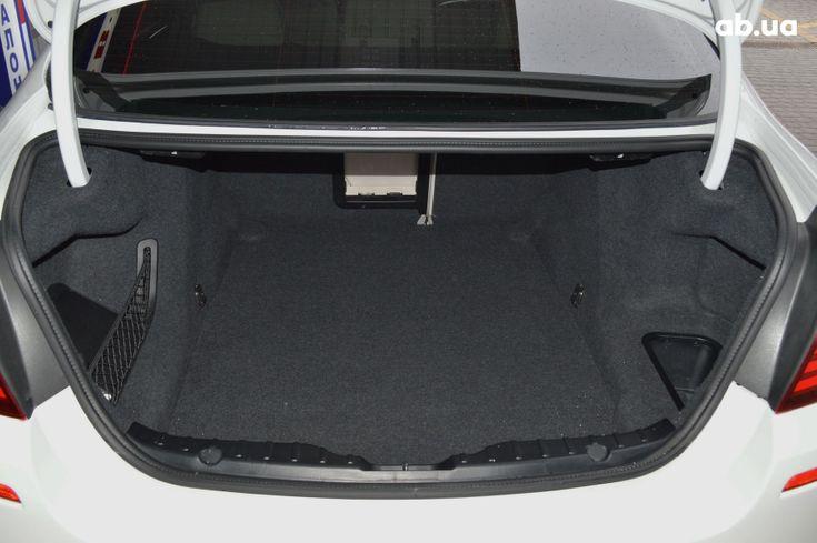 BMW 5 серия 2013 белый - фото 16