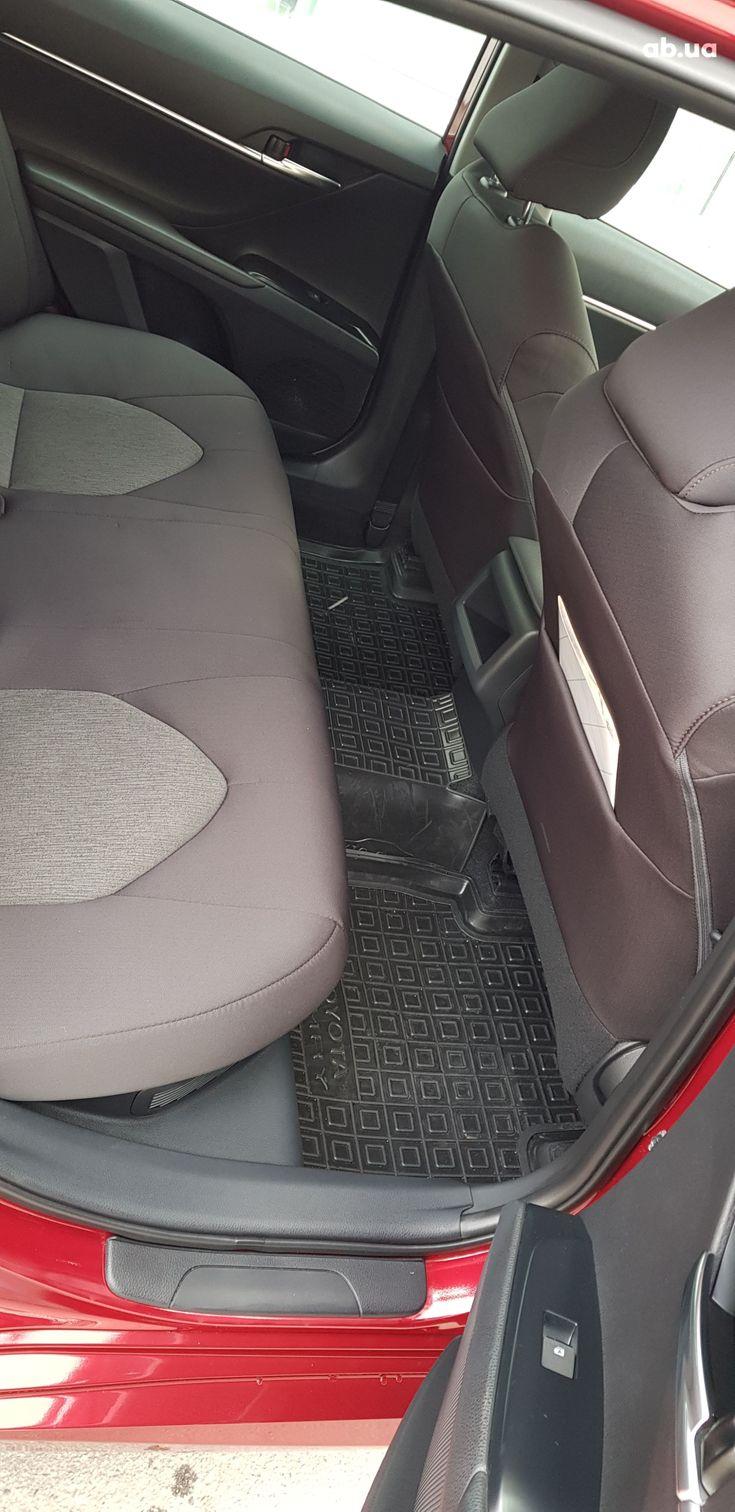 Toyota Camry 2020 красный - фото 16