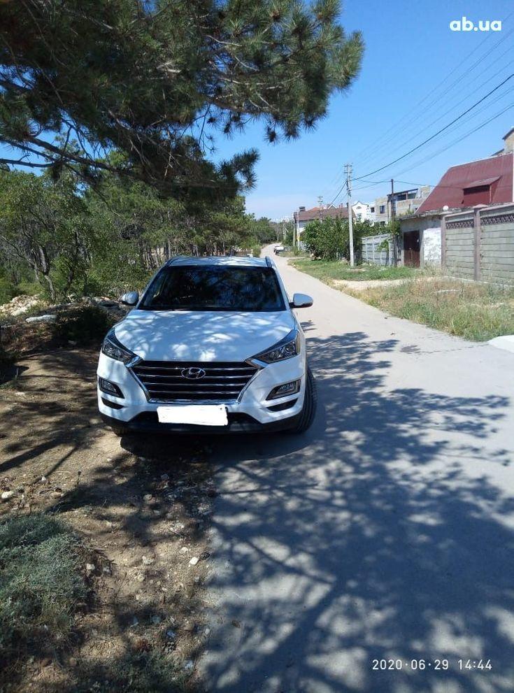 Hyundai Tucson 2019 белый - фото 2