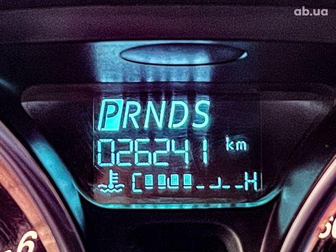 Ford Fiesta 2017 красный - фото 11